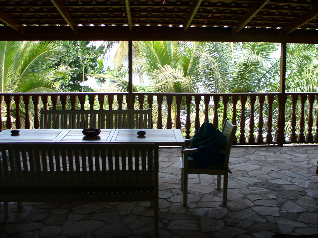 Beach house vacation rental grounds